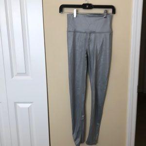 Alo yoga gray hi waist shiny legging sz m 82463